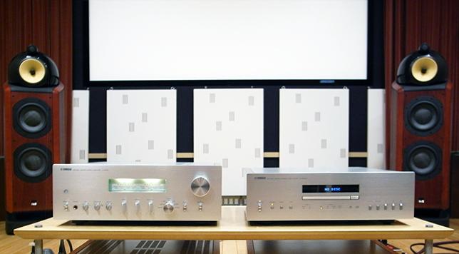 今回試聴したCDプレーヤー『CD-S2100』とプリメインアンプ『A-S2100』。スピーカーはヤマハではなくHiFiオーディオの世界での定番モデルでした