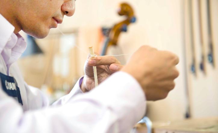 弦楽器の調整や修理をする職人インタビュー(前編)