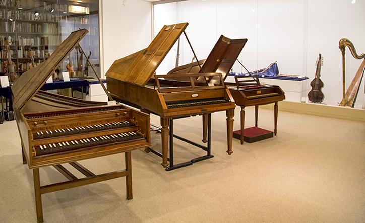 上野学園大学 楽器展示室