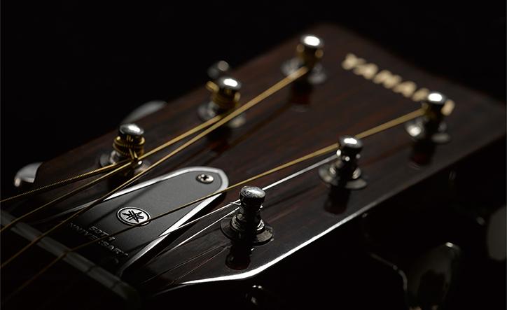 赤ラベルが再現!ヤマハギター50周年記念モデル