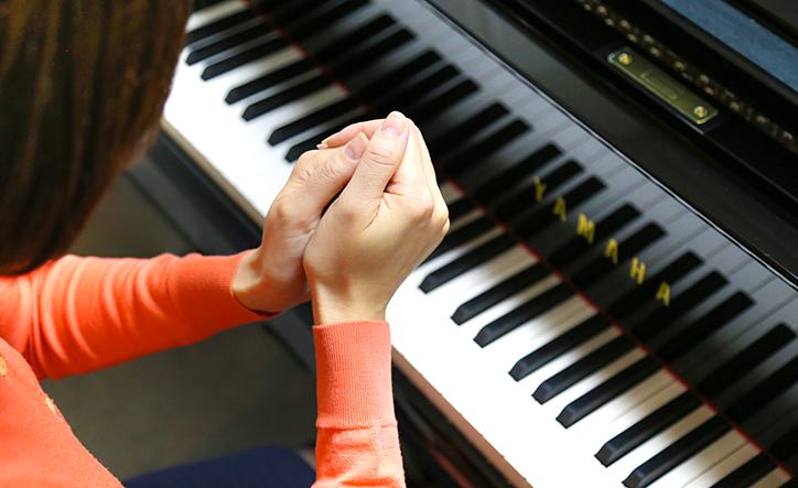 実は意外なところに原因が!?楽器を演奏する人は試したい、手の冷えが気になるときの対処法 - Web音遊人