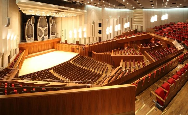 音の粒までクリアに聴こえる音響空間で、新時代へ発信する刺激的なコンテンツを/東京芸術劇場 コンサートホール