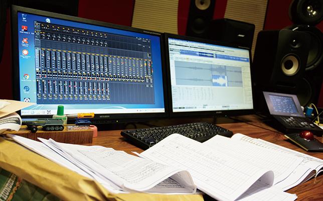 2012年に作ったオクタヴィア・レコードのスタジオ(トップ写真)は、かつてチェコスロバキア(当時)で音楽を学んでいたときの仲間が設計してくれた。ここでバランス調整などの作業を行う。最終段階では指揮者や奏者がここで音を聴き、その要望を聞きながら調整をすることもある。