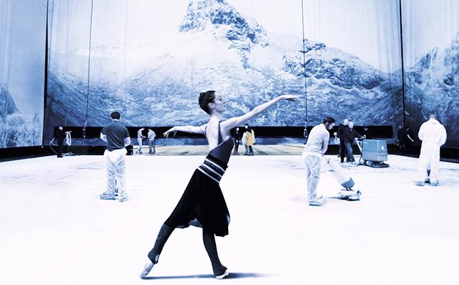 伝統ある劇場の内部に切り込んだドキュメンタリー映画、『新世紀、パリ・オペラ座』