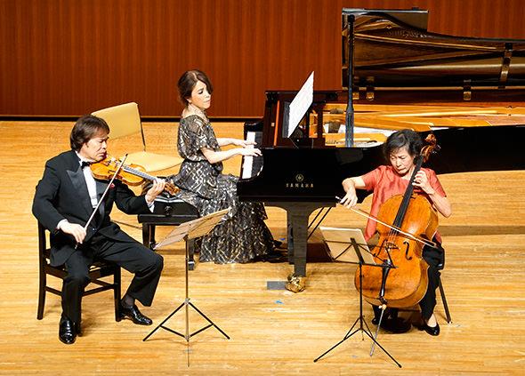 花房晴美さんをはじめ、日本を代表するアーティスト3人が〝夢の饗宴〟