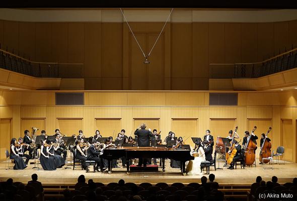 関本昌平氏、前田祐里さんが名古屋室内管弦楽団との協演で軽妙洒脱なプーランクのコンチェルトを演奏