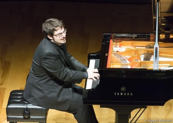 次世代の本格派ピアニスト シャルル・リシャール=アムラン氏が日本ソロデビュー公演で熱演!