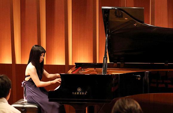 ドビュッシーがピアノで追求した、多様な色彩、新しい響きを聴く~深見まどか ドビュッシー・チクルス