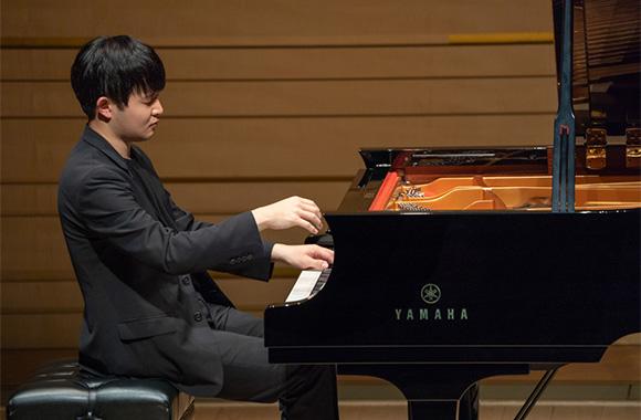 つややかなピアノの音で、美しい歌声が再現された一夜 ~ソヌ・イェゴン ピアノ・リサイタル