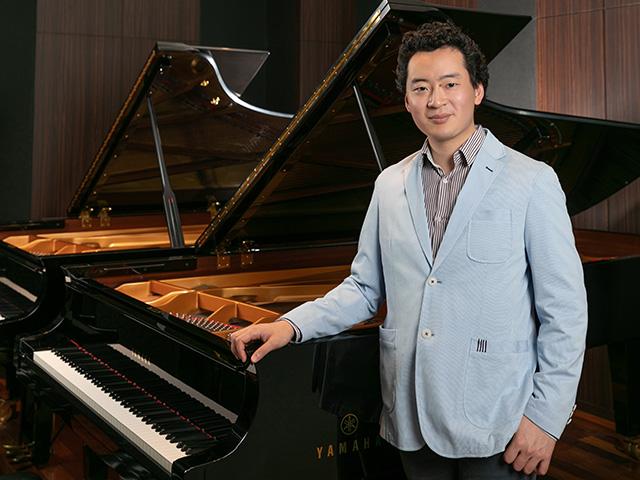 偉大な作品を通して、自分の考えを語るピアニストになりたい。~鈴木隆太郎さんインタビュー