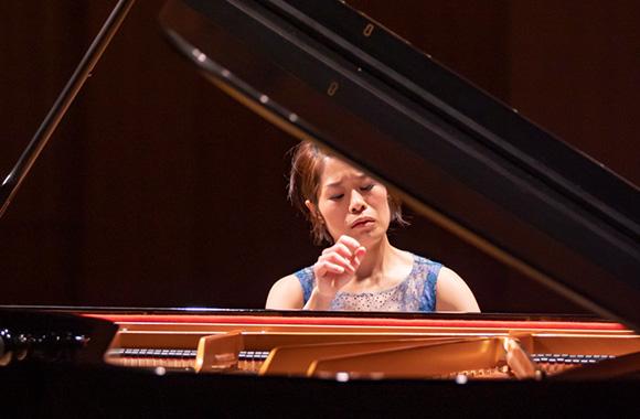 ショパン&ラフマニノフ ピアノを愛した2人の作曲家の世界を繋ぐ/上原彩子 ピアノ・リサイタル