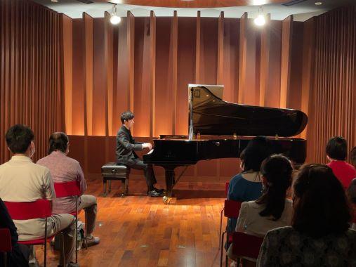 「シューベルティアーデ」を感じさせる、身近で音楽を分かち合うひととき ~川田将人ピアノリサイタル